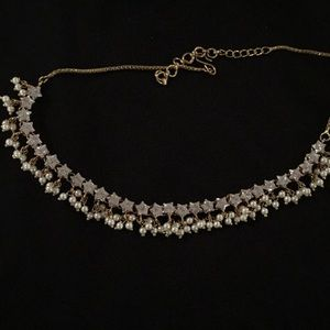 Jewelry - Pearl and crystal necklace